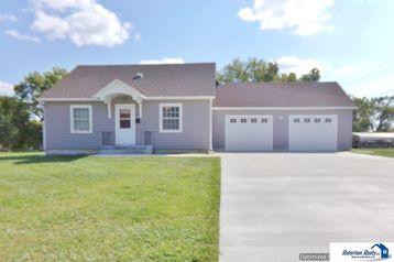 817 Ames Street Beatrice, NE 68310 - Image 1