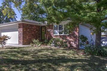 5920 Deerwood Drive Lincoln, NE 68516 - Image 1
