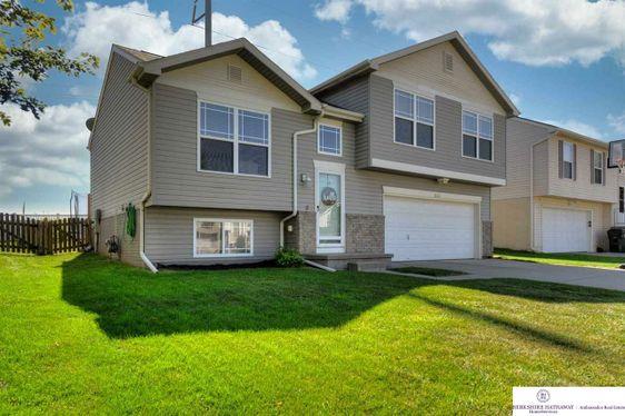 16505 Patrick Avenue Omaha, NE 68116