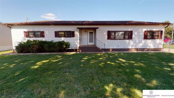 208 W Meigs Street Valley, NE 68064