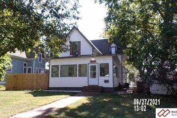 805 High Street Beatrice, NE 68310 - Image 1