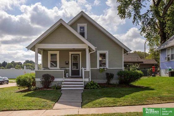 5403 Hickory Street Omaha, NE 68106