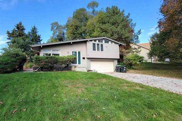 850 Parkwood Lane Omaha, NE 68132 - Image 1